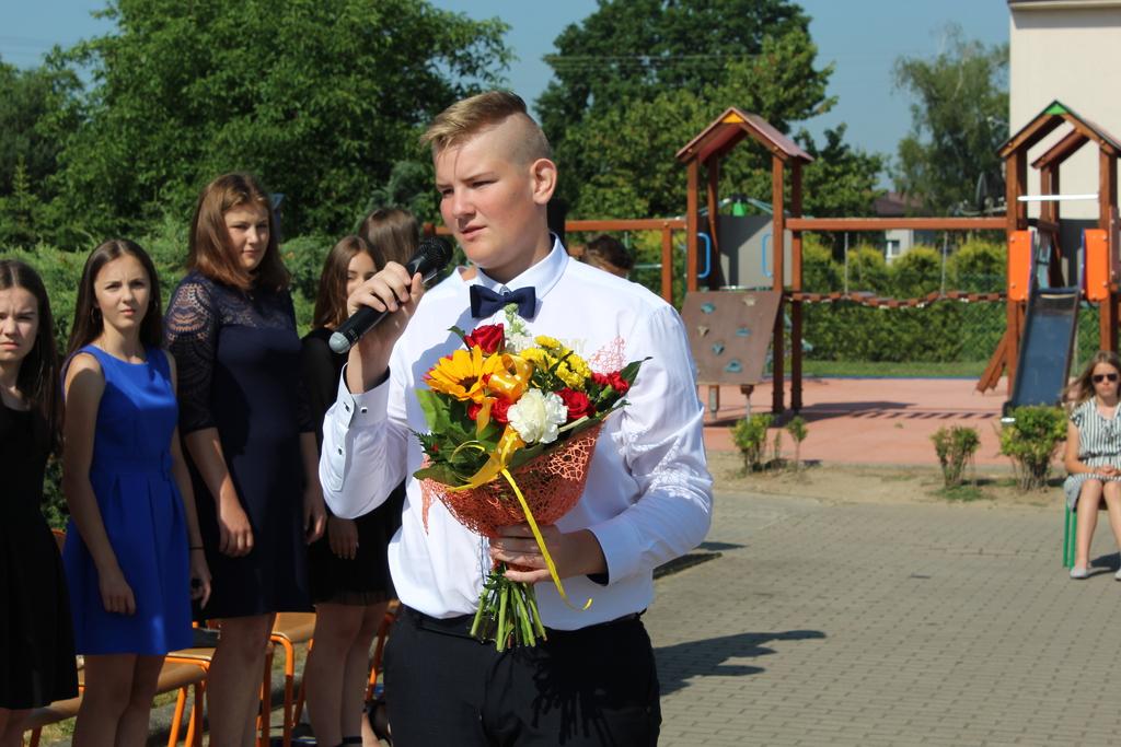Konrad , kwiaty.jpeg